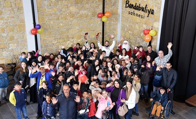 Yeni yıl dolayısıyla Bandabuliya Sahnesi'nde çocuklar için etkinlik düzenlendi
