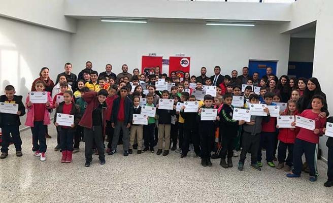 Satranç Şölenine 14 okul, 21 takım, 24 öğretmen ve 90 çocuk katıldı