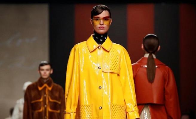 Karl Lagerfeld'in elinin değdiği son defilesi gerçekleşti