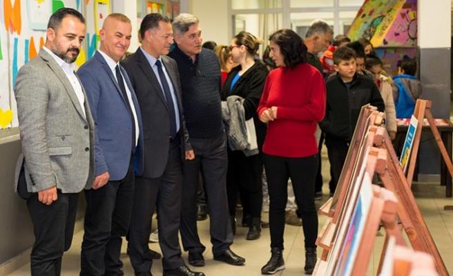 """30 çocuğun sanatsal faaliyetlerini kapsayan """"Maksimum Sanat Minimum Risk Sanat Kampı"""" sergisi açıldı"""