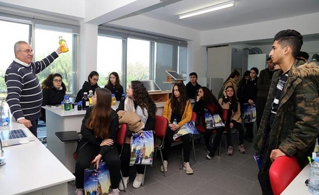 Doğa Koleji Öğrencileri, Girne Amerikan Üniversitesi'ni ziyaret etti