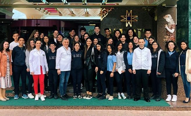 Atatürk Meslek Lisesi öğrencileri Merit Crystal Cove Hotel'i ziyaret etti