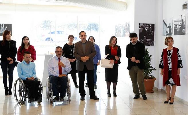 DAÜ öğrencilerinin çektiği fotoğraflardan oluşan sergi Meral Akıncı tarafından YDÜ'de açıldı