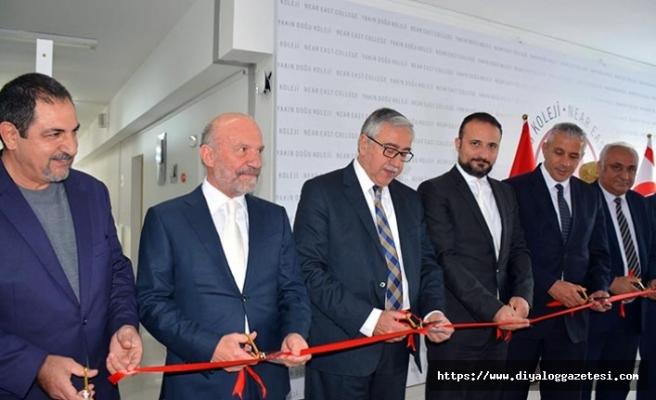 Gazi Yüksel'in 12'nci kişisel sergisi Cumhurbaşkanı Mustafa Akıncı tarafından açıldı