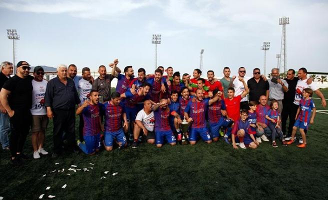 Göçmen şampiyonluğu göğüsledi 1-4