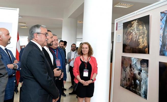YDÜ'deki Uluslararası Fotoğraf Günleri'nin açılışını Cumhurbaşkanı Akıncı yaptı