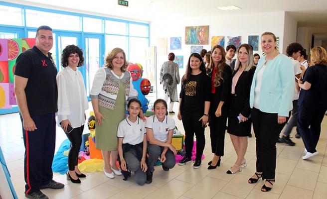 TED Kuzey Kıbrıs Koleji'nde öğrencilerin hünerli elleriyle yıl boyunca verdikleri emeklerin ürünleri sergilendi