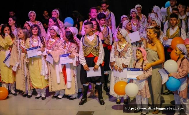Gazimağusa Belediyesi Halk Dansları Topluluğu yılsonu gösterisi gerçekleşti