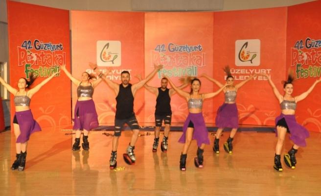 Güzelyurt Portakal Festivali'nde dans ve kango jump gösterileri sahnelendi
