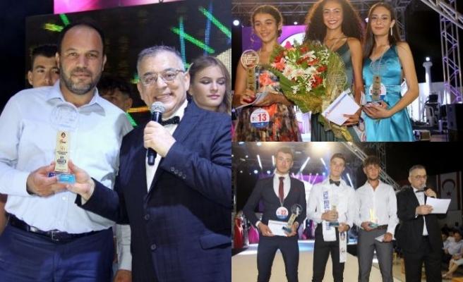 """İskele'deki yarışmada yılın """"Genç Kızı"""" Azra Kızılbora, yılın """"Genç Erkeği"""" Arseven Dağar oldu"""