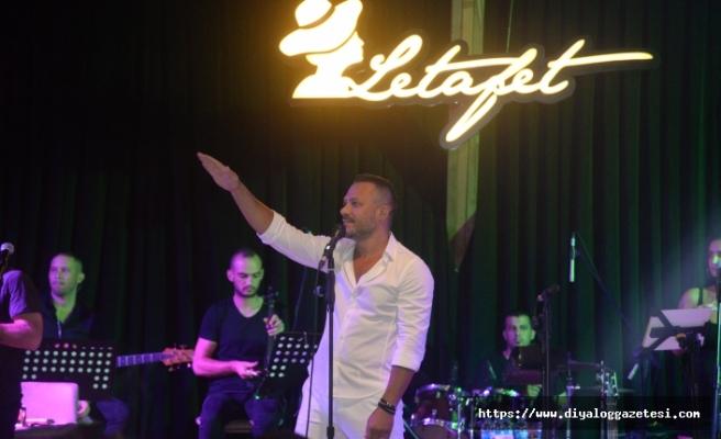 Merit Park Letafet Lounge sahnesinde Korhan Saygıner, sevenlerine unutulmaz bir gece yaşattı