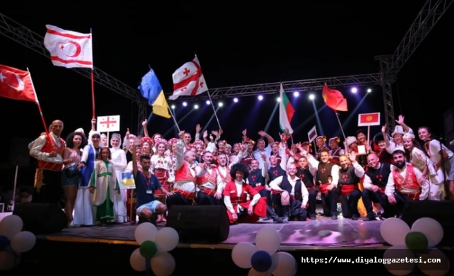 6 ülkeden 147 folklorcunun gösteri sunacağı Halk Dansları ve Barış Festivali 15 Ağustos'ta başlıyor