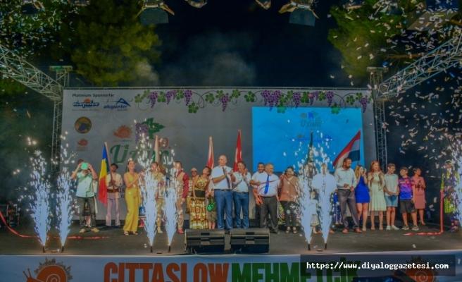 Bu yıl 59'uncusu düzenlenen Üzüm Festivali 10 Ağustos'a kadar renkli görüntülere ev sahipliği yapacak