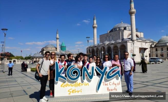 Kıbrıs Sosyal Bilimler Üniversitesi'nin düzenlediği yarışmada dereceye giren öğrenciler Konya'da ağırlandı