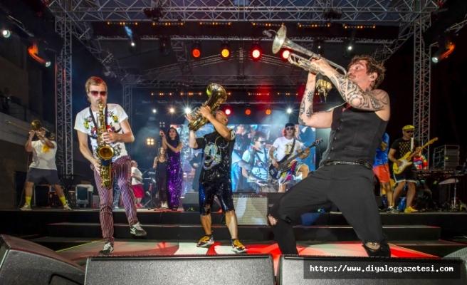 Rusların ünlü Rock Grubu Merit Royal'de sahne aldı
