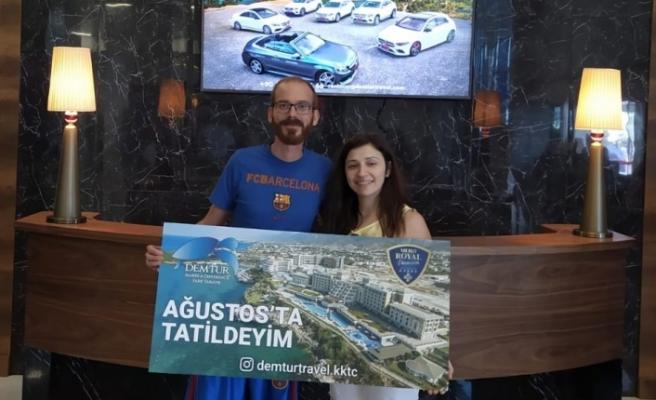 DEMTUR Travel'dan tatil kazanan talihliler Merit Otel'de ağırlandı