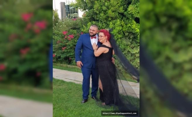 Siyah gelinlik giymeyi tercih eden Hasibe Çakır'ın bu kararına eşi Mehmet Ersoy da destek verdi