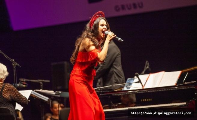 Karsu, İzmir'in başarılı orkestrası Olten Filarmoni ile bir araya geldi