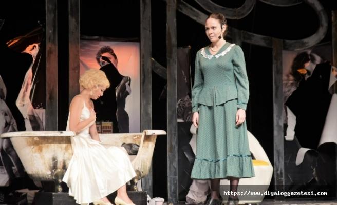 Çolpan İlhan & Sadri Alışık Tiyatrosu'nun hazırladığı oyun festivalde sahne aldı