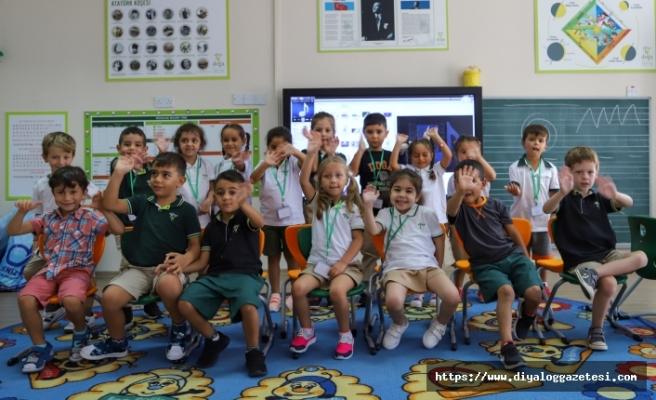 Doğu Akdeniz Doğa İlkokulu ve anaokulunda yeni dönemin ilk zili çaldı