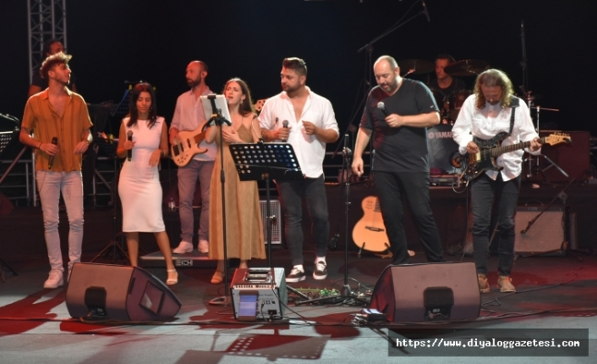 Kıbrıslı sanatçılar 9. Kültür Sanat Günleri kapsamında sahne aldı