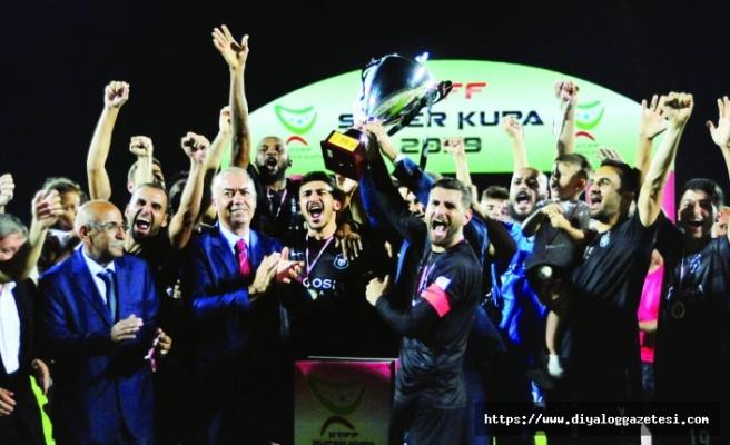 Süper Kupa'yı Ercan YAK'tı 4-5