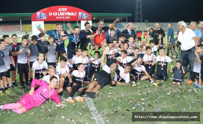 U-12 şampiyonu Kartal