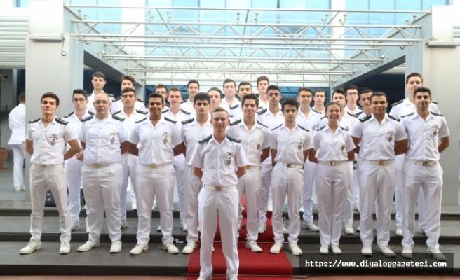 Denizciler yemin etti