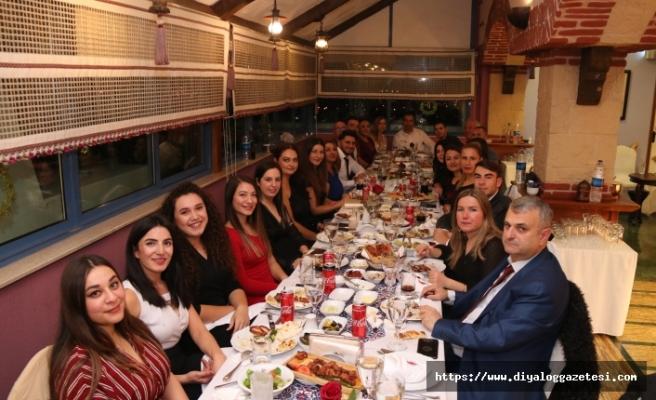 Kemal Batmazoğlu Muhasebe Bürosu çalışanları yeni yıl balosu için Merit'i tercih etti