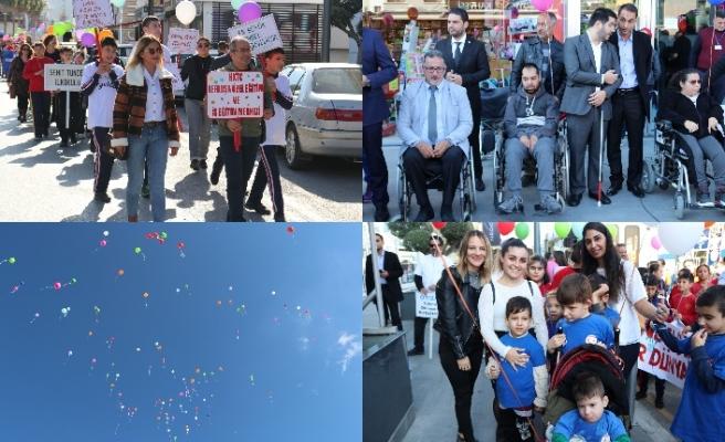 Lefkoşa'da Tatar ve Çavuşoğlu'nun katıldığı etkinlikte müzik dinletileri sunuldu, balonlar uçuruldu