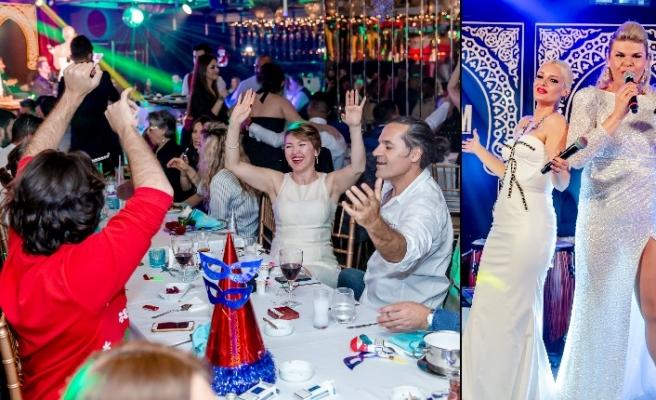 Gökçe Kırgız, Maxim Royal'de 3,5 saat sahnede kaldı 100 şarkı seslendirdi