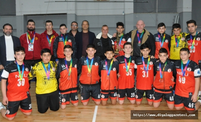U16'nın şampiyonları UKÜ ve YDÜ