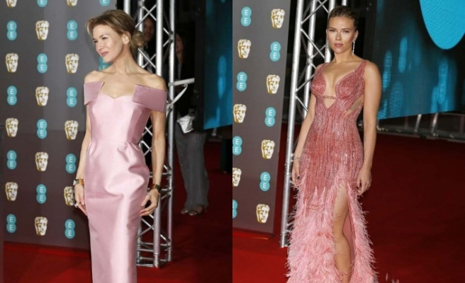 73. BAFTA ödül töreninin kırmızı halısında kadınlar şıklıklarıyla göz doldurdu