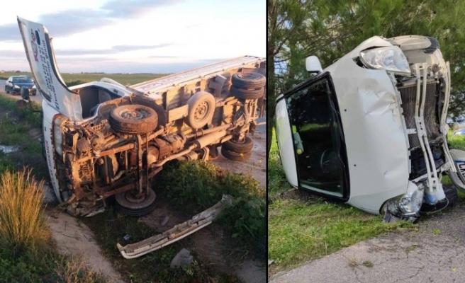 Araçlar devrildi bir kişi yaralandı