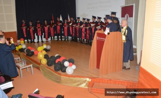 YDÜ Eczacılık Fakültesi Güz Dönemi mezunları, diplomalarını aldı