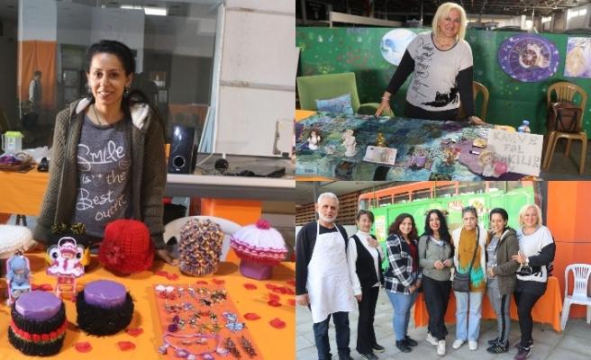 El emeği göz nuru ürünleri  'Sanatçılar Çarşısında' satışa sunan kadınlar bölge halkının takdirini topladı