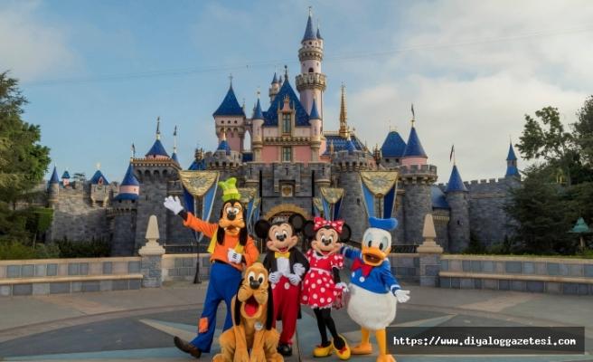 Disneyland açılıyor