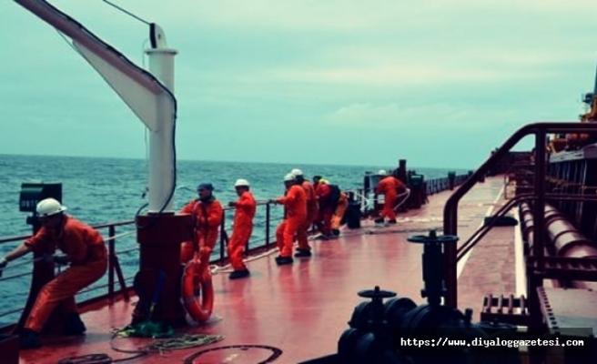 Gemideki kaçak elektrik canlarından etti