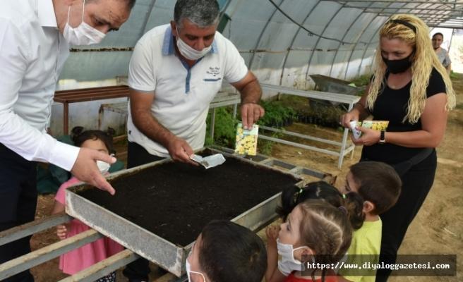 El Ele Kreşi çocuklarıyla bir çevre etkinliği düzenledi