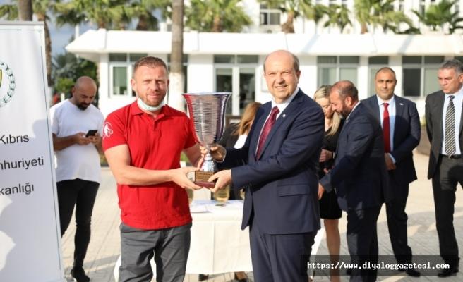 Şampiyon engelliler ödüllendirildi
