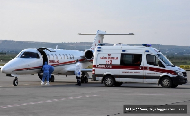 Ambulans uçak 4 kişiyi alıp gitti