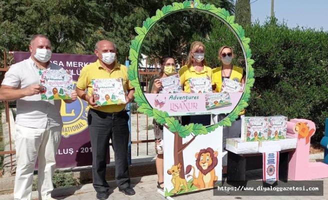 Lions Kulübü çocuk yuvasına boyama kitabı armağan etti