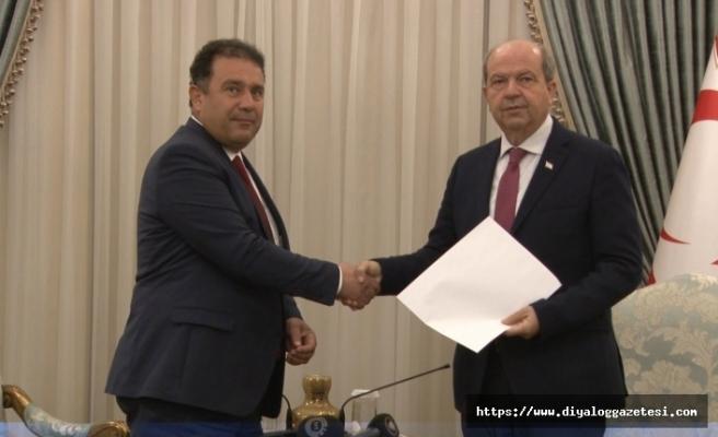 UBP Genel Başkanı Saner görevi devretti