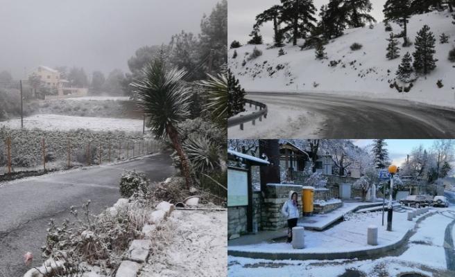 Trodos ve Baf'a kar yağdı