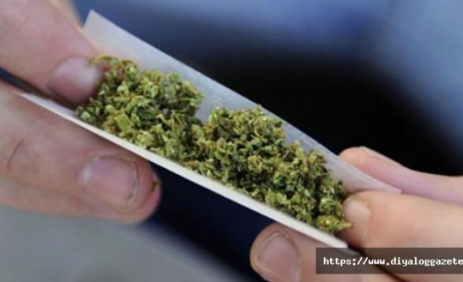 120 gram uyuşturucuyu bahçeye sakladı