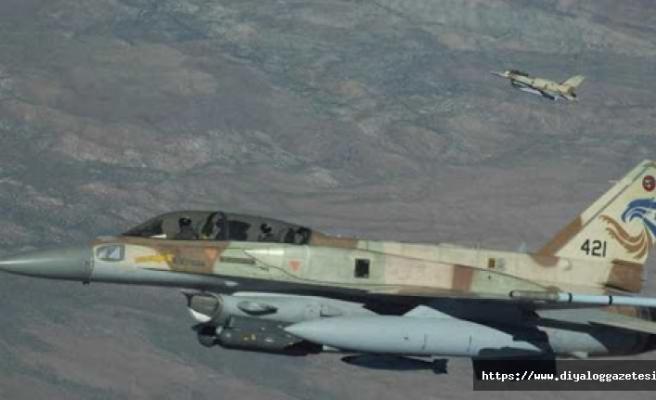 Tatbikat'a savaş uçakları da katıldı