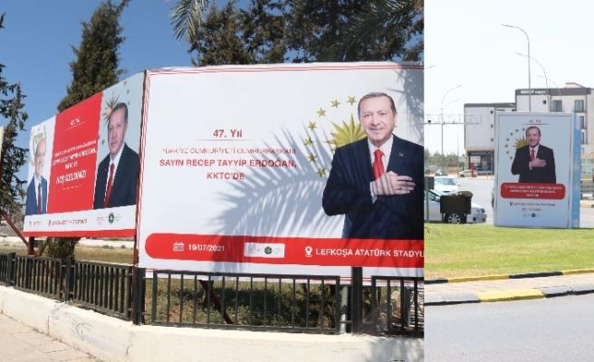 Kuzey Kıbrıs Erdoğan'ın posterleriyle süslendi