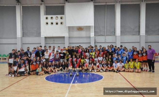 U-16'da şampiyonlar belirlendi