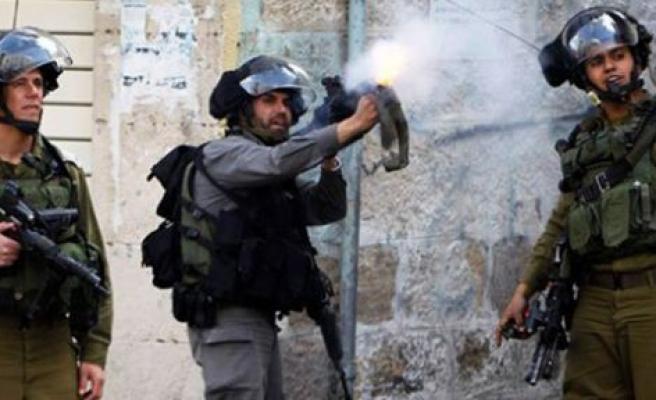 8 Filistinli serbest