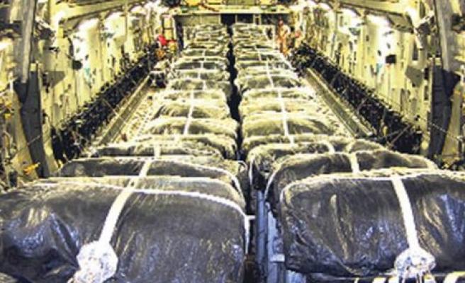 ABD'den, Iraklı sivillere havadan su ve gıda malzemesi